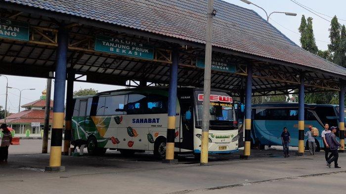 Kru Kendaraan Dilarang Naik dan Turunkan Penumpang di Depan Jalur Keberangkatan Terminal Pakupatan