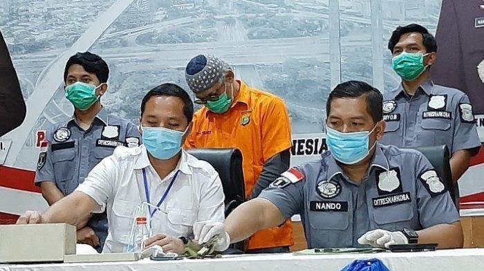Polisi Pakai Hazmat saat Tangkap Tio Pakusadewo dan Di-rapid Test, Ini Hasilnya