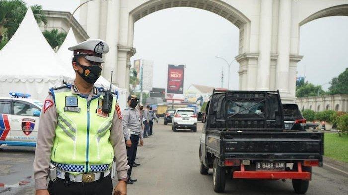 Larangan Mudik Lebaran 2021, Perbatasan Tangerang-Serang di Depan Gerbang Citra Raya Dijaga Ketat