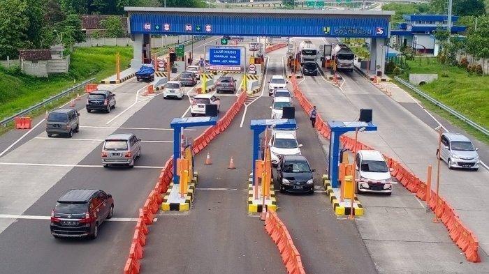 Hari Pertama Larangan Mudik, Ribuan Kendaraan Diminta Putar Balik di GT Cikupa dan Cikarang Barat