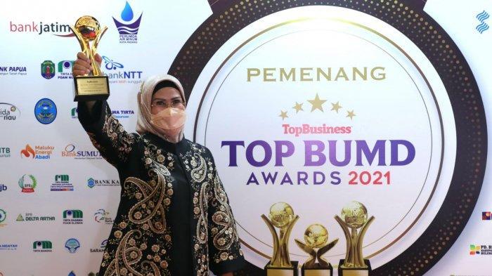 Hattrick, Bupati Serang dan BPR Serang Raih Top BUMD Award 2021