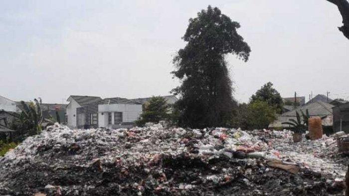 Wali Kota Tangsel Akhirnya Perintahkan Anak Buah Angkut Sampah di TPS Liar Pondok Betung