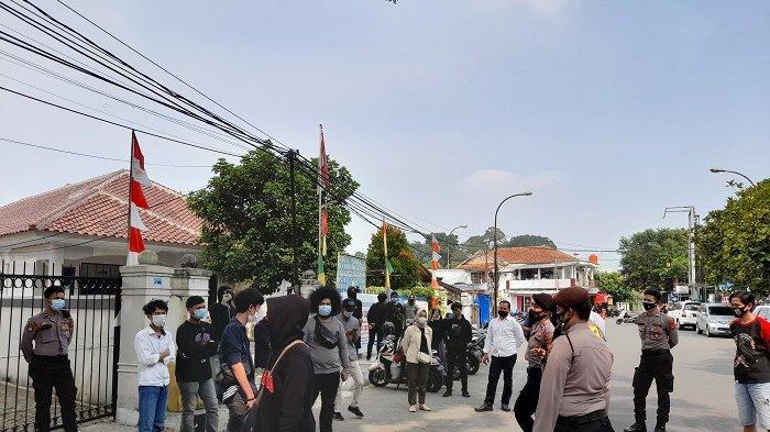 Mahasiswa dan Warga Demo Tolak Perpanjangan PPKM Darurat di Lebak