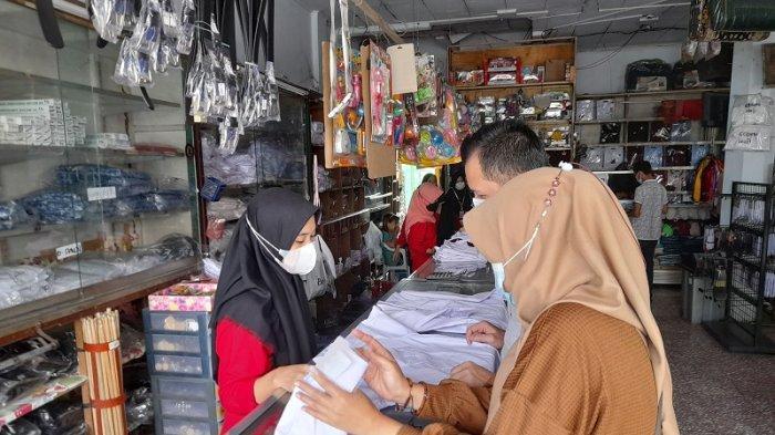 STM Dimulai Juli 2021, Bisnis Penjualan Seragam Sekolah di Serang Mulai Menggeliat