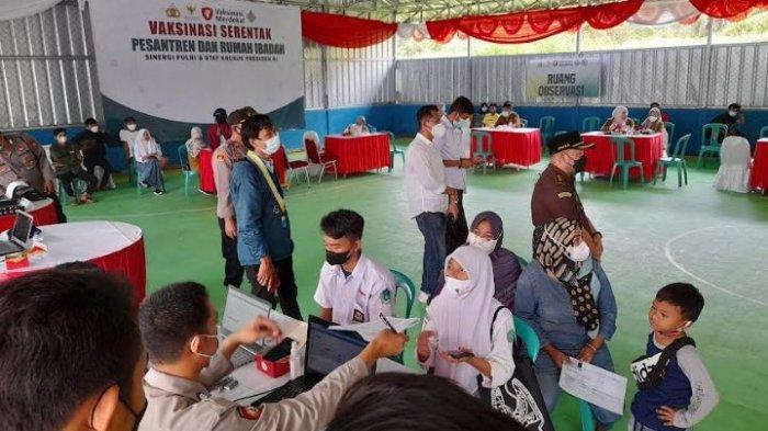 500 Santri di Lebak Ikuti Vaksinasi Serentak, Kapolres Lebak Minta Warga Tidak Takut Divaksin