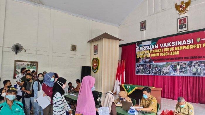 Warga Ramai Ikut Vaksinasi di Kodim 0603 Lebak, Disabilitas sampai ODGJ Juga Divaksin