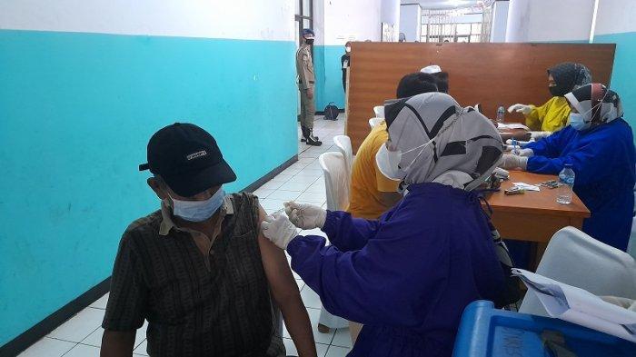 Bantu Capaian Target Vaksin, BINDA Banten Gelar Vaksinasi Covid-19 di Masjid Ats-Tsauroh Serang