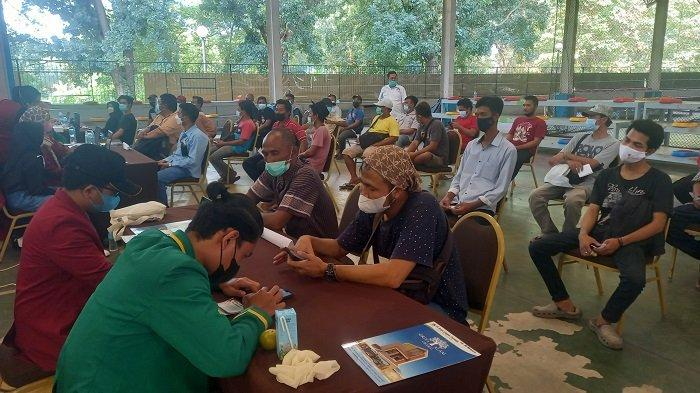 Pengusaha Truk Banten Vaksinasi 500 Sopir Truk untuk Kelancaran Logistik
