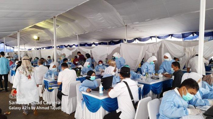Sempat Takut, Kepala SMA 5 Tangerang Cerita Pengalaman Disuntik Vaksin: Alhamdulillah Aman