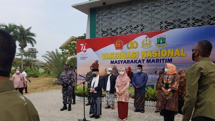 Wapres Ma'ruf Amin Tinjau Vaksinasi Covid-19 untuk Santri di Ponpes An-Nawawi Banten