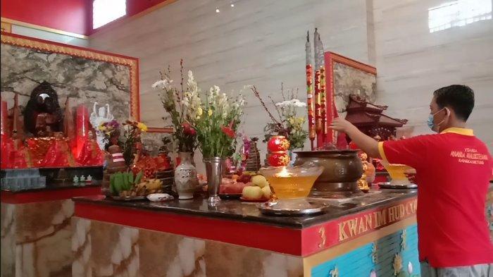 Kesepian Vihara Ananda Avalokitesvara Rangkasbitung saat Perayaan Tahun Baru Imlek