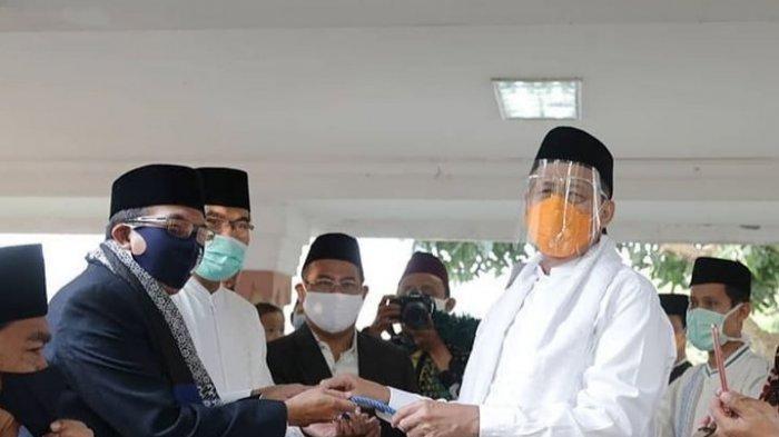 Gubernur Banten Gunakan Masker dan Face Shield Saat Salat Idul Adha