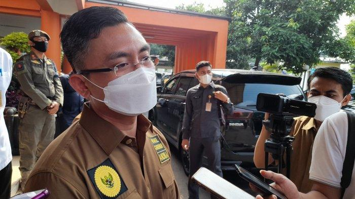 Wagub Banten Lapor ke Airlangga Soal Perkembangan Covid-19: Warga Abai Prokes Picu Lonjakan Kasus