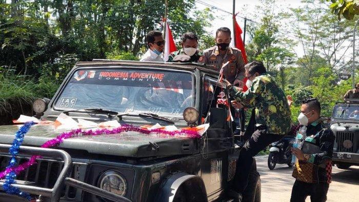 Mobil Offroad Yang Ditumpangi Subadri Mogok Saat Konvoi Sosialisasi Vaksin di Kecamatan Curug