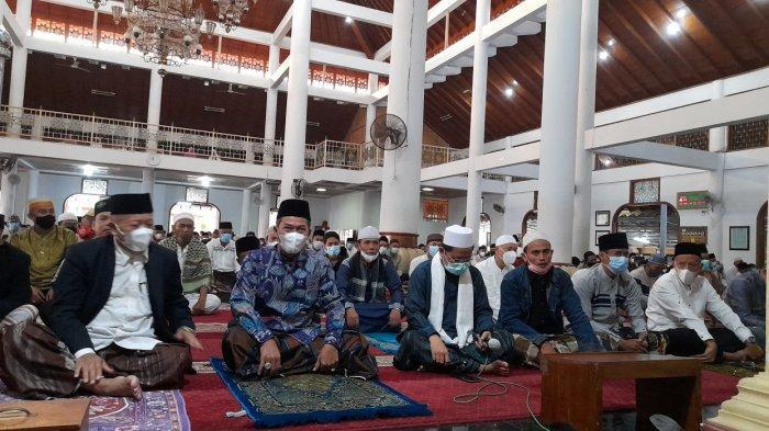 Kumpulan Amalan-amalan Sunnah di Hari Jumat, Memperbanyak Doa hingga Baca Surat Al Kahfi