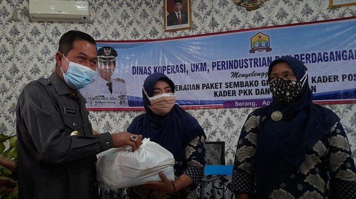 Kader Posyandu, PKK dan Pensiunan di Kota Dapat Paket Sembako Gratis