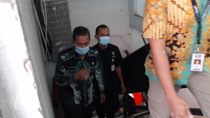 Wali Kota Serang Syafrudin bersama jajaran pimpinan Forkopimda dan tim Satgas Covid-19 melakukan inspeksi mendadak (sidak) ke pusat perbelanjaan Mall of Serang (MOS) di Panancangan, Kota Serang, Kamis (6/5/2021).