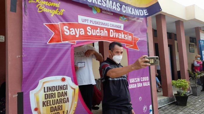 Cerita Perjuangan Warga Cikande Antre Selama 4 Jam di Puskesmas untuk Suntik Vaksin Covid-19