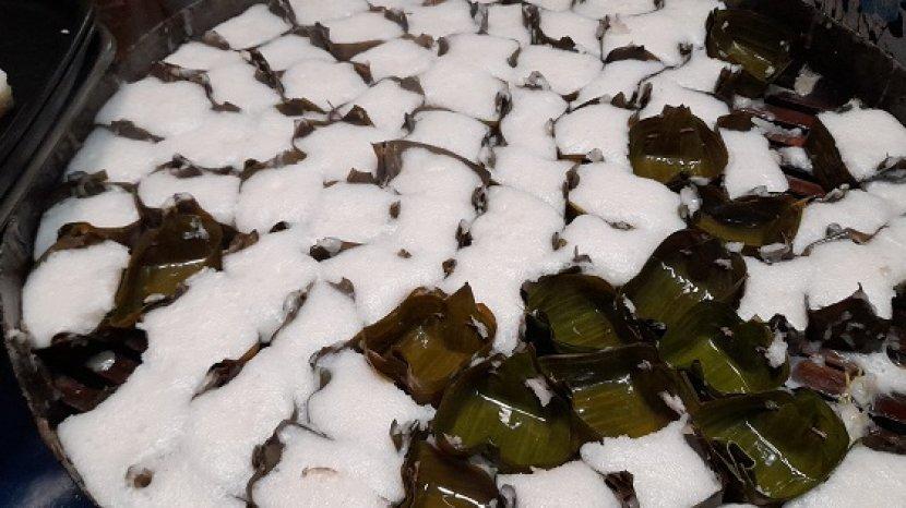 proses-pembuatan-apem-bohay-atau-apem-putih-makanan-khas-pandeglang-2.jpg