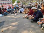 demo-mahasiswa-di-depan-gedung-dprd-banten-1.jpg