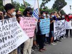 demo-mahasiswa-di-kejati-banten.jpg
