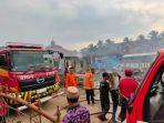 empat-rumah-warga-di-kampung-lebak-pinang-lebakr-terbakar.jpg
