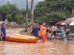 evakuasi-banjir-bpbd-bnpb.jpg