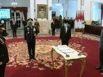 foto-presiden-joko-widodo-lantik-listyo-sigit-sebagai-kapolri.jpg