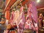 harga-daging-sapi-di-pasar-pandeglang-banten-melonjak-tinggi.jpg