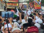 imam-besar-fpi-muhammad-rizieq-shihab-sampai-di-kampung-halaman-petamburan.jpg