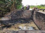 insiden-kebakaran-terjadi-di-saluran-sungai-sipon-kampung-petung.jpg