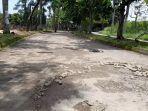 jalan-rusak-di-jalan-perumahan-kota-serang-baru-ksb.jpg