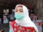 kepala-dinas-kesehatan-provinsi-banten-ati-pramudji-hastuti-di-lokasi-vaksinasi-covid-19.jpg