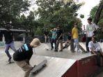 komunitas-united-one-skateboard-bermain-papan-luncur-di-skatepark-loop-arena.jpg