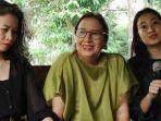 maria-darmaningsih-serta-dua-putrinya-pasien-covid-19-pertama-di-indonesia.jpg