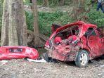 mobil-honda-brio-berwarna-merah-berplat-nomor-a-1183-t.jpg