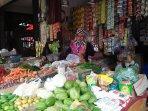 pedagang-sayuran-di-pasar-rau.jpg