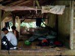 potret-keluarga-miskin-di-kabupaten-pandeglang-keluarga-rusdiansyah-tinggal-di-gubuk.jpg