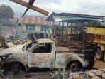 puing-mobil-dan-bangunan-yang-terbakar-dan-rusak-dalam-aksi-perusakan-massa.jpg