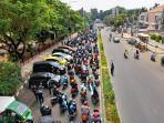 ruas-jalan-menuju-ke-alun-alun-kota-serang-pada-rabu-14102020.jpg