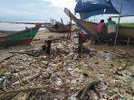 sampah-di-pantai-teluk-labuan-pandeglang.jpg