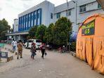 tenda-darurat-di-samping-rumah-sakit-rsud-adjidarmo.jpg