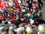 unjuk-rasa-mahasiswa-di-dprd-kabupaten-pandeglang-ricuh.jpg
