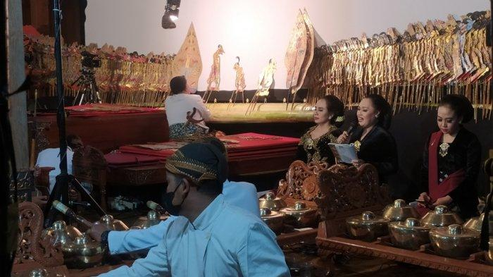 Umbul Dungo Ki Manteb Soedharsono di Karanganyar, Tiga Dalang Pentaskan Lakon Acharya Sudarsana