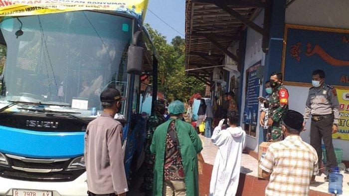 Dijemput Pakai Bus, 23 Warga Danaraja Banyumas Positif Covid-19 dan Dikarantina di Baturraden
