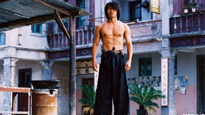 Sinopsis Film Kung Fu Hustle, Upaya Seorang Anak Muda Bergabung dengan Geng Kapak Merah
