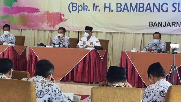 Ketemu PGRI Banjarnegara, Anggota DPD Bambang Sutrisno Janji Perjuangkan Guru Honorer Lama Jadi PPPK