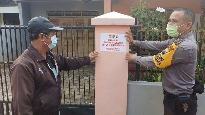 Tracing Klaster SMA Negeri 4 Pekalongan, Satgas Tempel Stiker di Rumah Tempat Isolasi Mandiri Guru