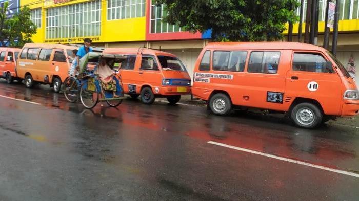 Sebulan Tak Beroperasi, Usaha Angkot di Purwokerto Mati Suri. Organda: Selanjutnya PPKM Plus Plus