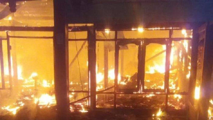 Ditinggal ke Pasar, Dua Rumah Milik Warga Cepu Blora Ludes Dilalap Api